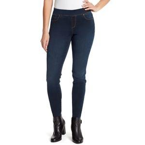 5/$25 - Gloria Vanderbilt Avery Jeans